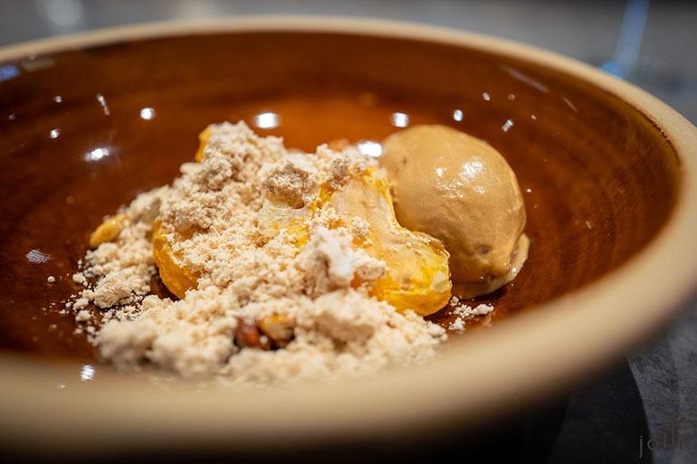 蜜柑配葛饼、黄豆粉、焦糖及栗子冰淇淋