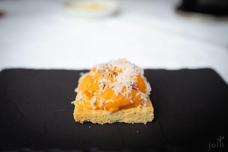 海膽和莫雷特奶酪Sablé撻餅