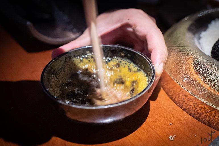 吃时将全部元素搅拌均匀,把香气搅进牛肉