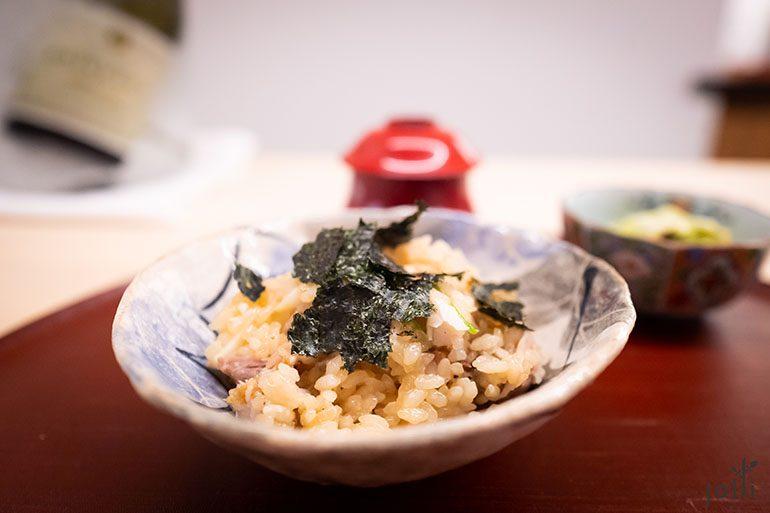 鲷鱼饭配海苔