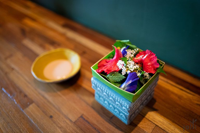 「Canang Sari」配木槿醋、海盐鸡姜花乳液