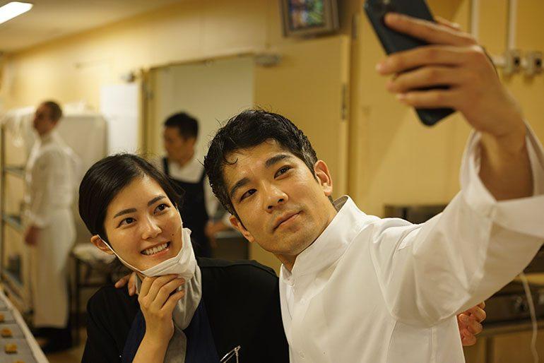 「été」的庄司夏子与「Sugalabo」的须贺洋介 (摄影师:Yohei Murakami)