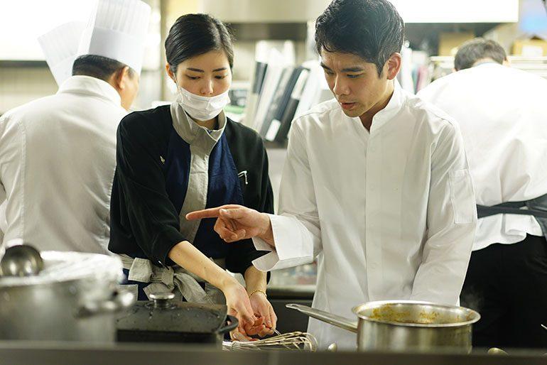 「été」的庄司夏子与「Sugalabo」的須賀洋介 (摄影师:Yohei Murakami)