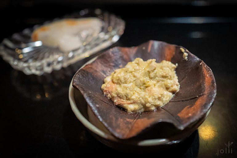 松叶蟹膏配炭烤年糕