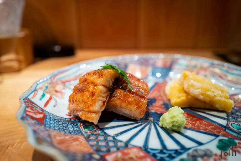 地烧鳗鱼配炸玉米