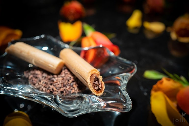 巧克力及榛子的最中餅