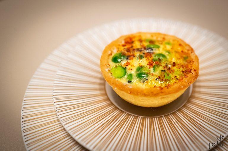 青豌豆及新洋蔥的法式餡餅