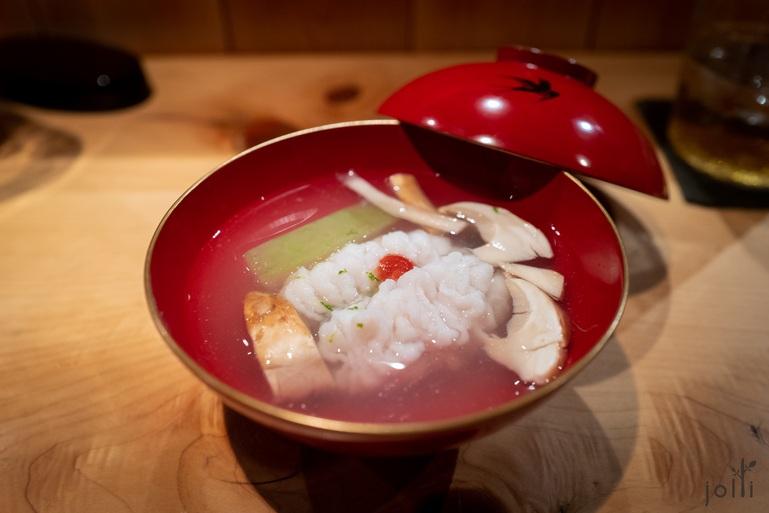 鳢鱼配松茸、冬瓜及渍梅