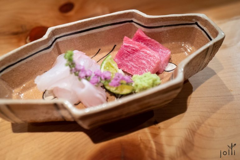 平目配辣的柚子酢,鲔鱼配海藻蛋黄酱油