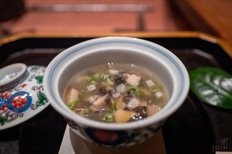鲍鱼春山菜茶碗蒸