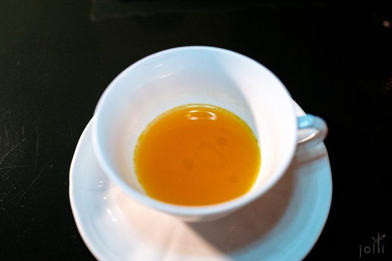 哈密瓜汁配乳香黄连木叶油